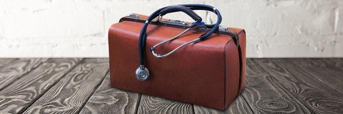 Artsentassen en artsenkoffers